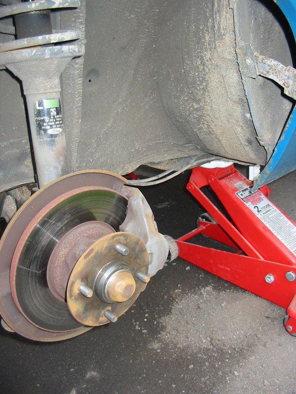 Capri front suspension and hub