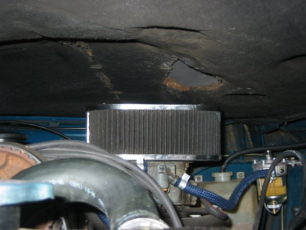 K&N air filter on Capri with bonnet soundproofing cutout