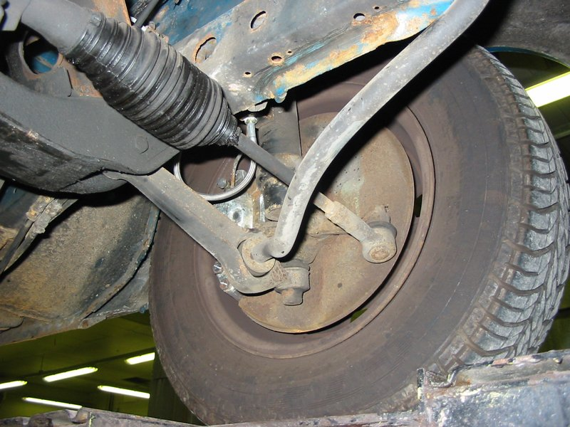 Capri steering rack gaiter leak near track control arm