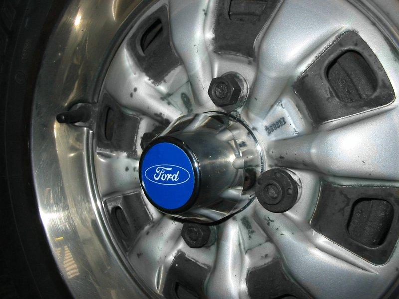 Ford chromed plastic wheel centres but not for Capri steels